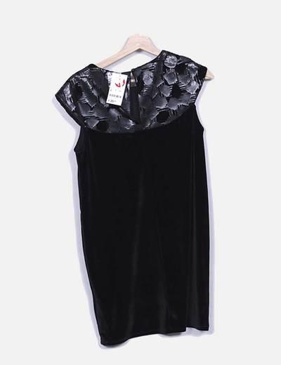 Vestido negro velvet combinado