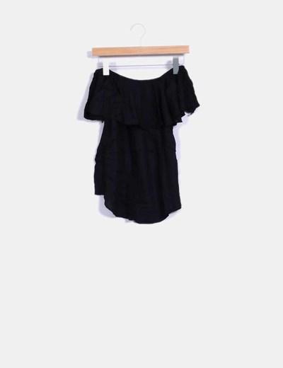 Camiseta negra volante escote Bardot Oysho