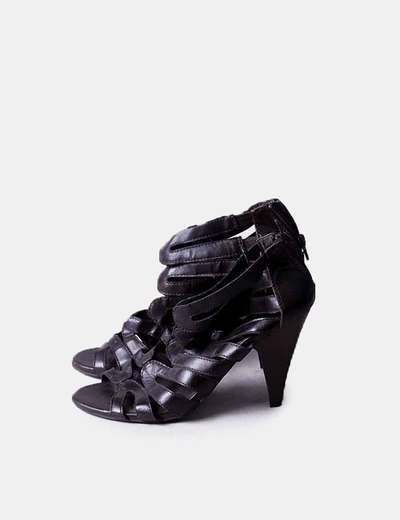 Sandalia de tacón marrón Sfera