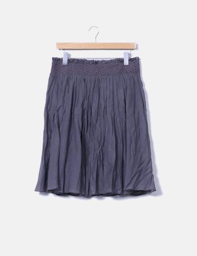 Falda plisada gris Sfera