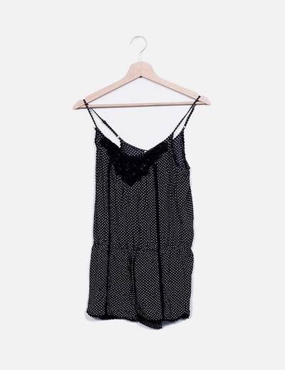 Mono negro con topos escote crochet Pull&Bear
