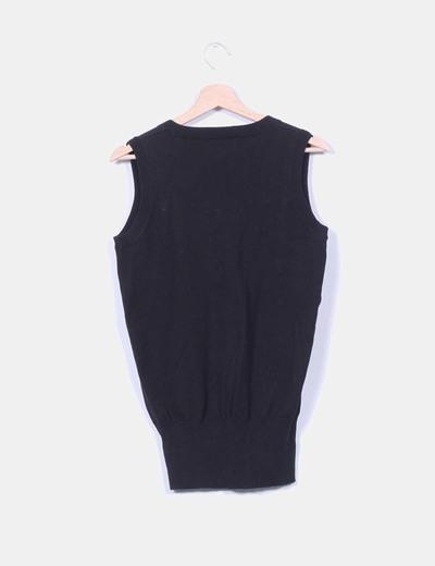 Tricot negro sin mangas con escote en pico