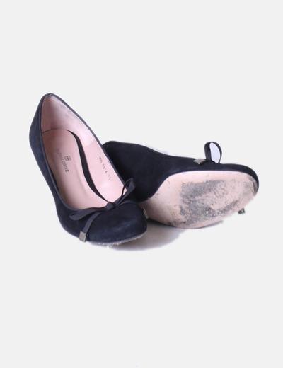 Zapato negro antelina lazo