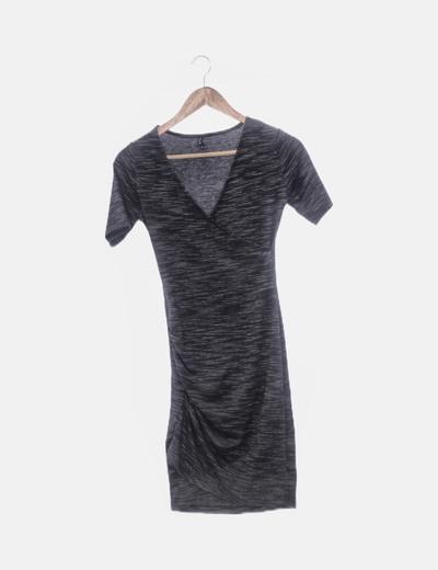 Vestido gris jaspeado cruzado