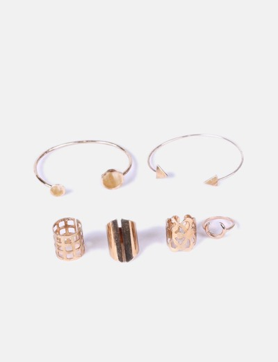 Conjunto 2 pulseras y 4 anillos dorados