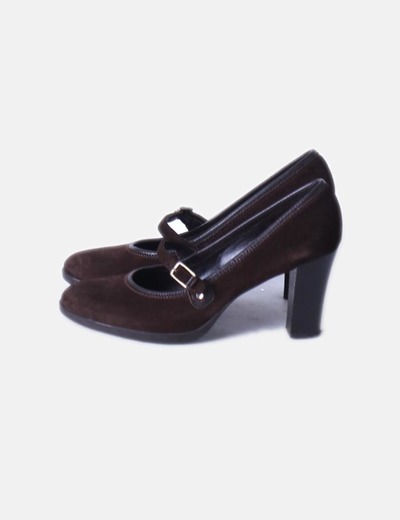 Chaussure couleur café boucle de Unisa