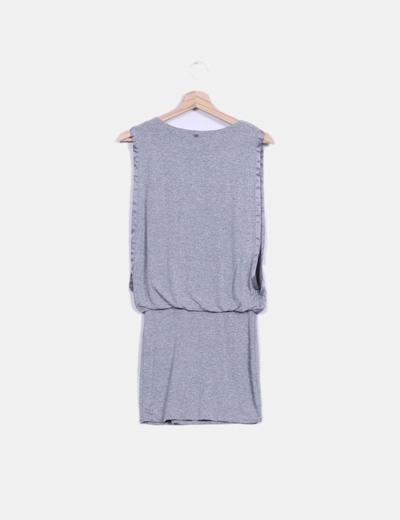 Vestido gris viscoso con caida