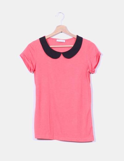 Camiseta coral con solapas negras Suiteblanco