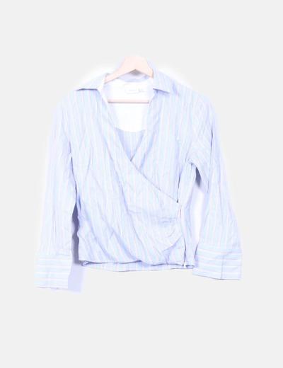Camisa azul con rayas rojas  Trucco