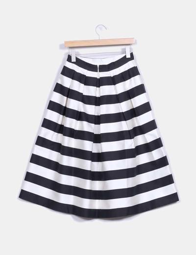 Falda midi rayas blancas y negras