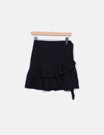 Minifalda negra cruzada Stradivarius