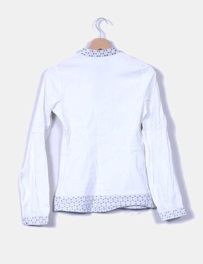 Camisa de lino bordada con strass