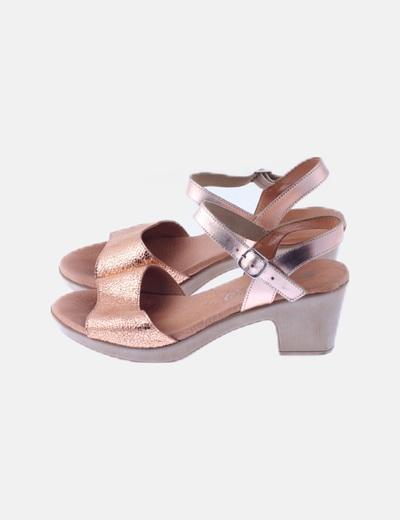 Sandalias texturizadas doradas