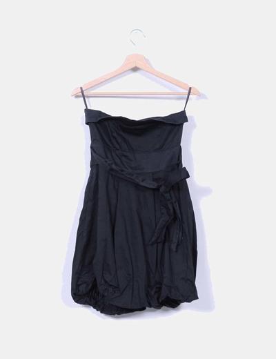 Vestido negro abullonado palabra de honor