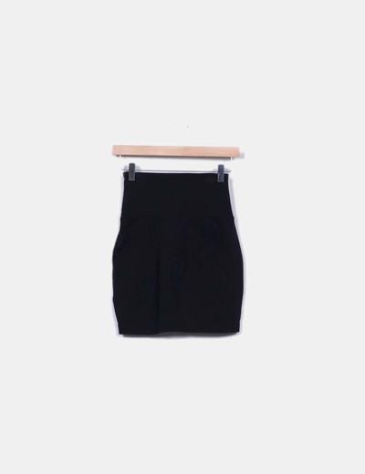 Mini falda negra talle alto