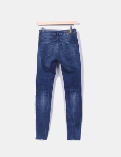 Jeans desflecado con rotos