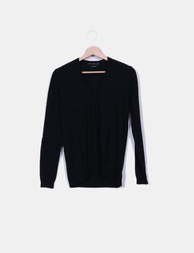 Jersey de punto negro escote pico Zara