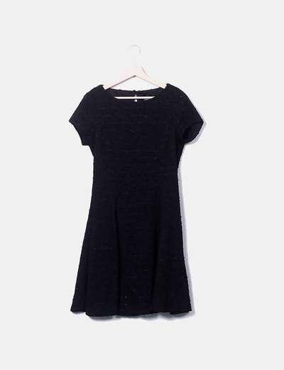 Vestido negro texturizado con lentejuelas