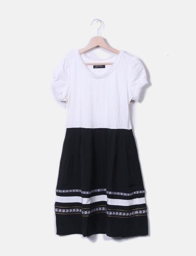 Vestido combinado de manga corta
