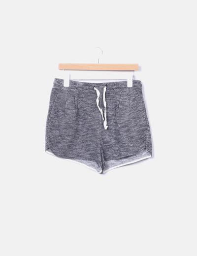 Short negro deportivo jaspeado H&M