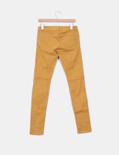 Pantalon denim color mostaza