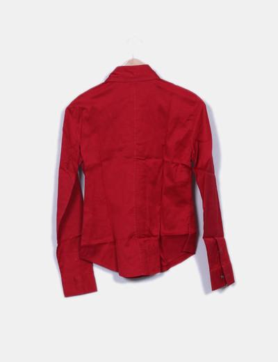 Camisa roja entallada