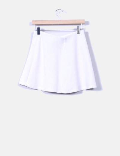 8ba45e44e Mini falda blanca evasé texturizada