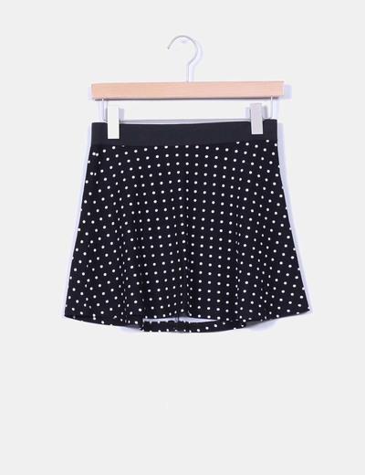 Falda negra con topos Bershka
