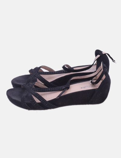 Sandalias negras con strass
