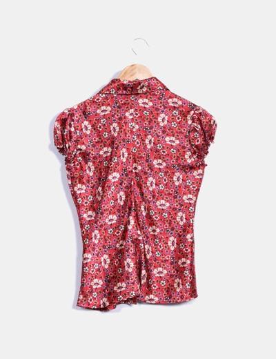 Blusa roja floral satinada