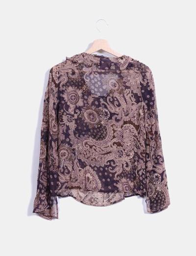 Blusa manga larga con estampado bicolor combinado con pedreria