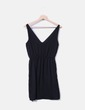 Vestido negro cruzado Zara