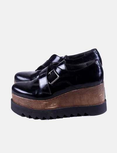 Zapato de plataforma negro