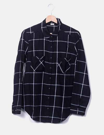 Chemise noire à carreaux Pimkie