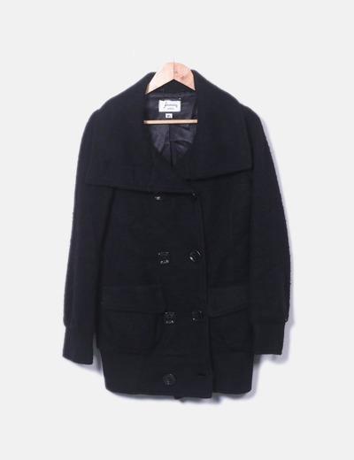 Abrigo negro de paño con doble botonadura