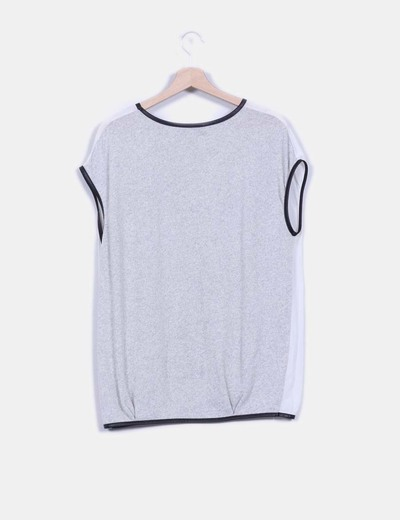 Camiseta combinada detalle en polipiel