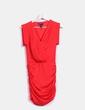 Vestido rojo drapeado satinado Mango