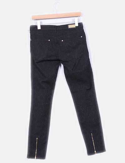 Pantalon brocado detalle cremalleras
