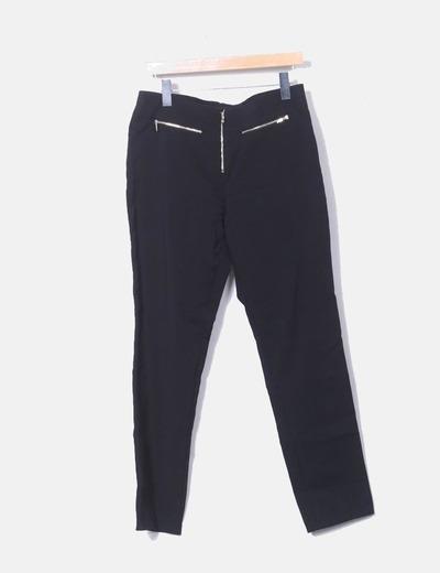 Pantalón negro con cremalleras