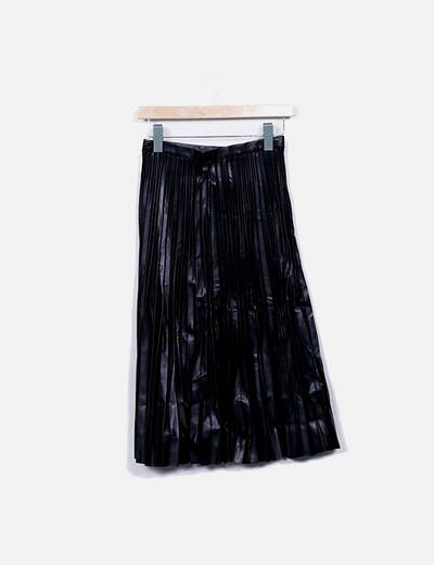 Falda midi plisada polipiel negro Oxygene