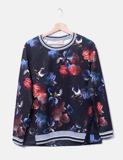 Sudadera negra floral