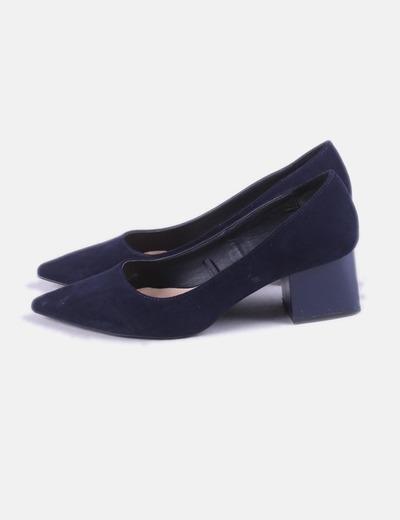 Chaussure à talon bleu marine brevet de Zara