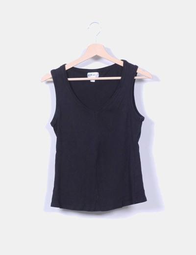 Camiseta negra sin mangas Bershka