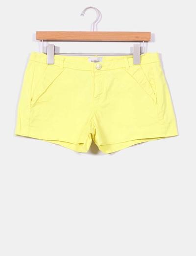 Short amarillo con cremalleras traseras Bershka