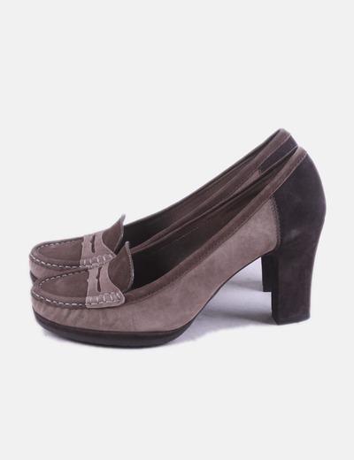 Zapato mocasín marrón
