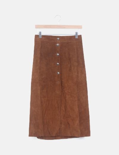 Falda midi marrón polipiel