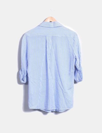 Blusa fluida azul de rayas
