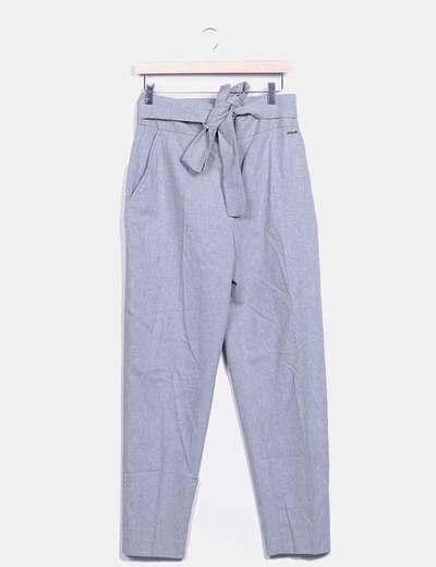 Pantalón chino gris