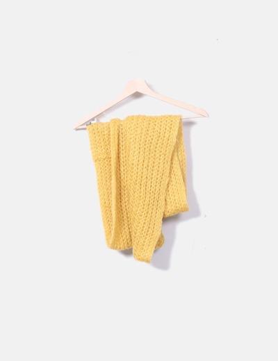 Bufanda de punto amarillo