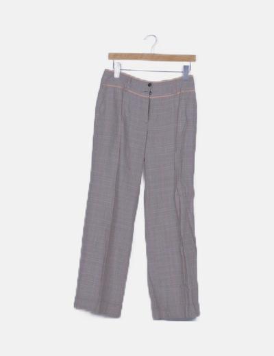 Pantalón marrón de cuadros pata de elefante